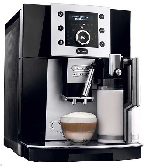 An image of DeLonghi Perfecta ESAM5500, a full-featured super automatic espresso machine
