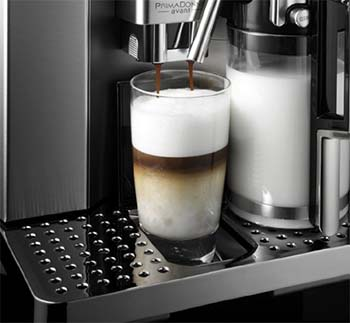 An image showing the milk frothing system of the Delonghi Gran Dama Avant ESAM6700